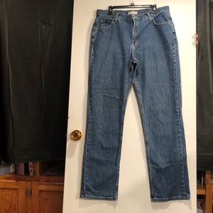 Rider Relaxed Jeans. Straight leg size 16L